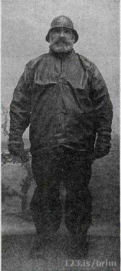 Guðmundur Ísleifsson í sjóklæðum